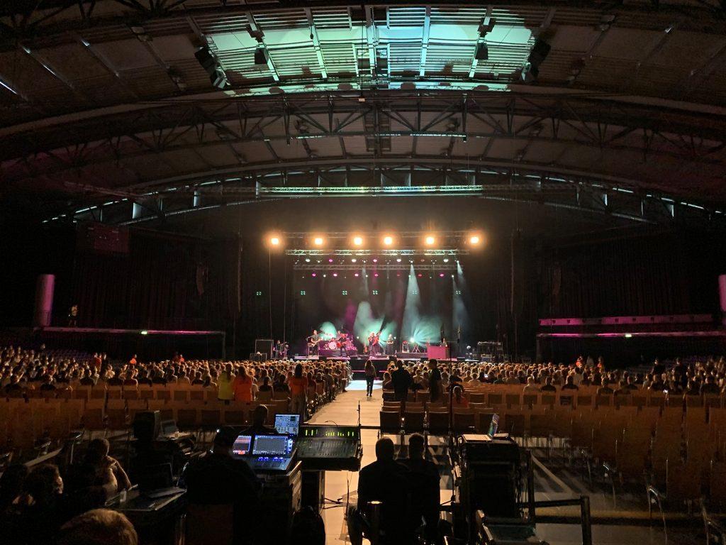 Sänger und Songwriter Tim Bendzko spielt mehrere Konzerte für die Wissenschaft am 22.08.2020 in der QUARTERBACK Arena in Leipzig